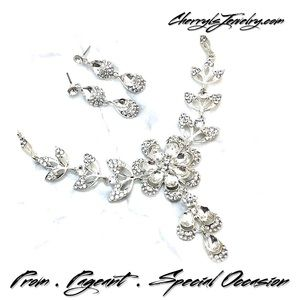 Jewelry - Special Occasion Crystal Statement Necklace Set
